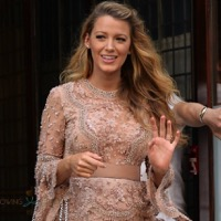 Mom-to-be Blake Lively Does A Quick Change At The Today's Show