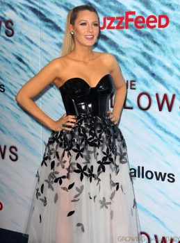 Pregnant Blake Lively on the Red Carpet for Shallows Premiere