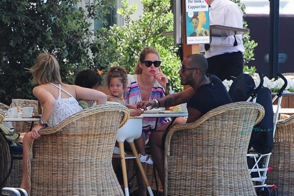Doutzen Kroes And Sunnery James On Holiday In Ibiza with their kids Phyllon & Myllena