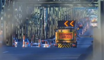 Interstate bridge that connects Oregon and Washington construction