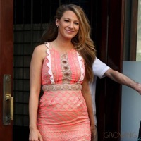 Blake Lively Is Pretty in Peach As She Promotes Her New Movie!