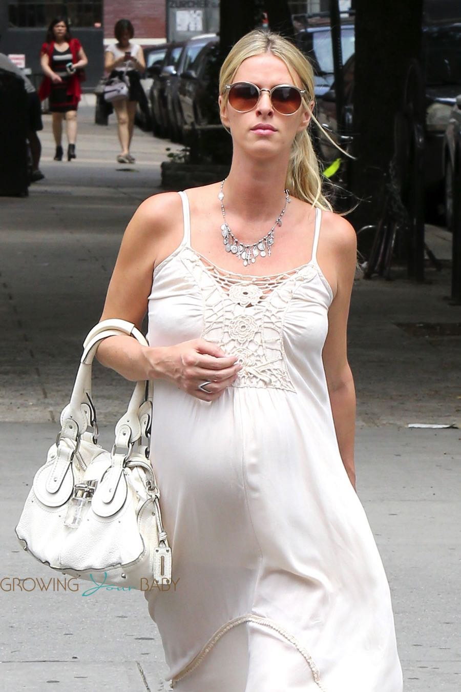 Pregnant Nicky Hilton  shops in NYC