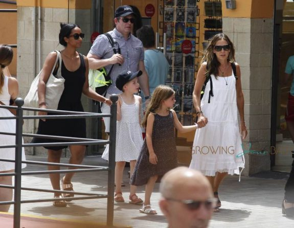 Sarah Jessica Parker & Matthew Broderick Take Their twins To Tibidabo Amusement Park