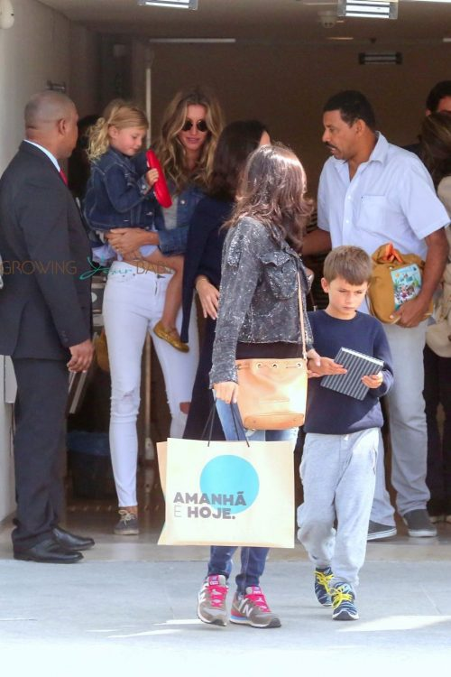 Gisele Bundchen takes kids Vivian and Benjamin to visit the brand new Museum Do Amanha in Rio