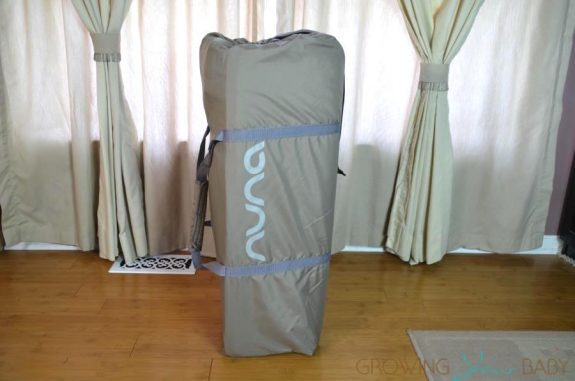 Nuna Sena Mini Playard - in travel bag