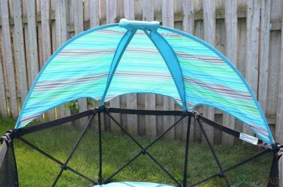 Summer Infant Pop 'n Play Ultimate Playard - canopy