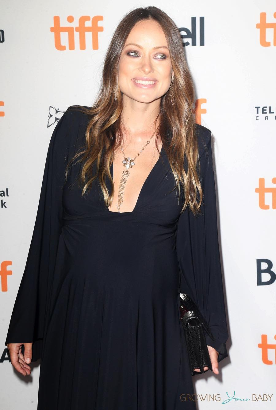 a-pregnant-olivia-wilde-at-the-tiff-premiere-for-colossal-in-toronto-canada