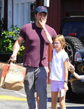 Ben Affleck arrives at the market with his daughter Violet