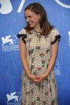 pregnant-natalie-portman-walks-the-red-carpet-at-the-venice-film-festival
