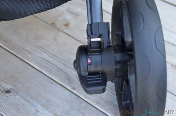 2017 Britax B-Ready wheel lock indicator
