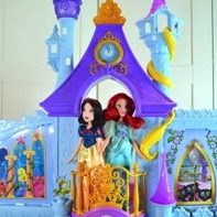 Hot For The Holidays – Disney Princess's Royal Dreams Castle {VIDEO}