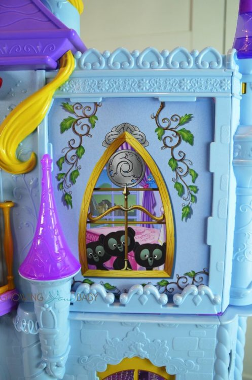 Disney princess Royal Dreams Castle 2016 - bedroom window