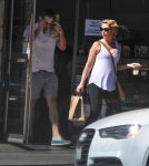 josh-kelly-and-a-pregnant-katherine-heigl-out-in-la