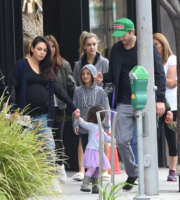 Pregnant Mila Kunis, Ashton Kutcher, & Wyatt Kutcher Grab Breakfast