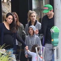 Ashton Kutcher & Mila Kunis Grab Breakfast With Their Family