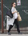 Pregnant Natalie Portman out in LA