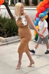 pregnant-tori-spelling-arrives-at-the-elizabeth-glaser-pediatric-aids-foundations-27th-annual-a-time-for-heroes