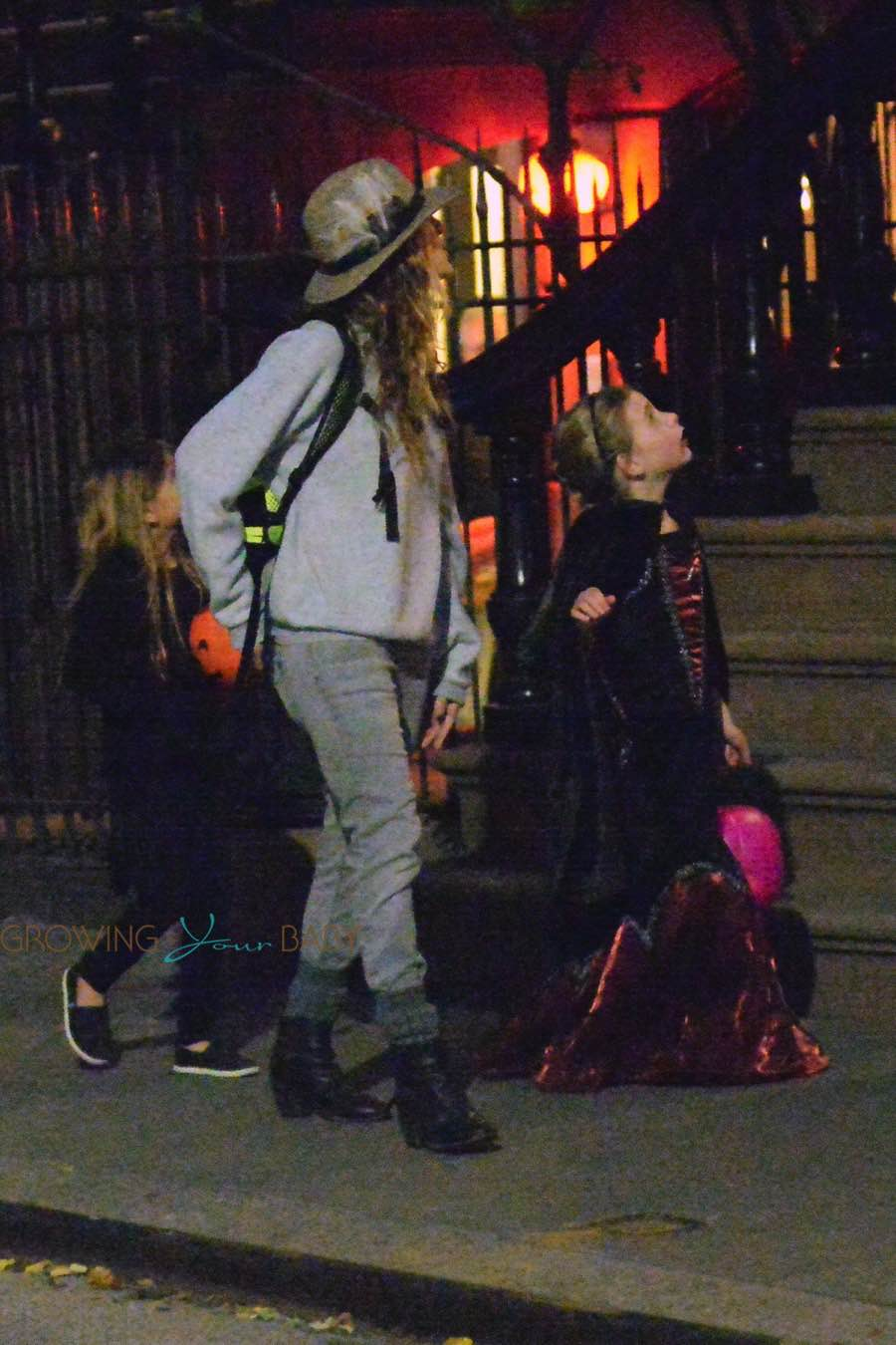sarah jessica parker and her twins out for halloween
