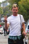 gavin-rossdale-out-with-his-kids-in-la
