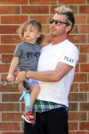 gavin-rossdale-out-with-his-son-apollo-in-la