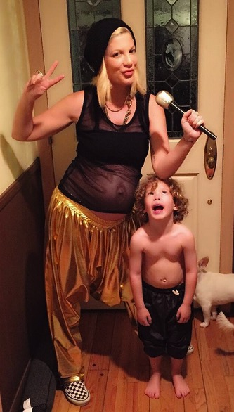 Pregnant Tori Spelling dressed for Halloween with son Finn