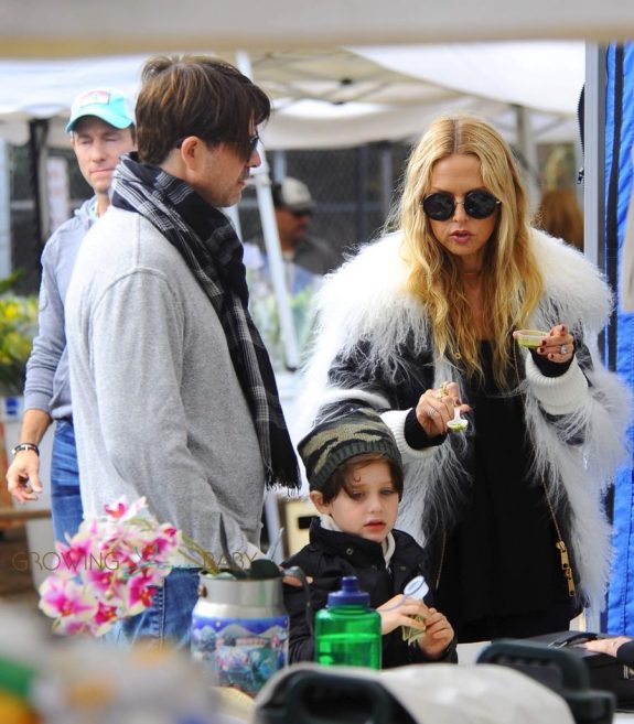 rachel-zoe-and-rodger-berman-at-the-farmers-market-with-their-kids-skyler-and-kai