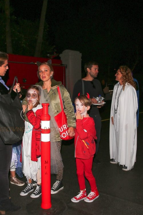 Tobey Maguire and Jennifer Meyer reunited to take the kids out for Halloween