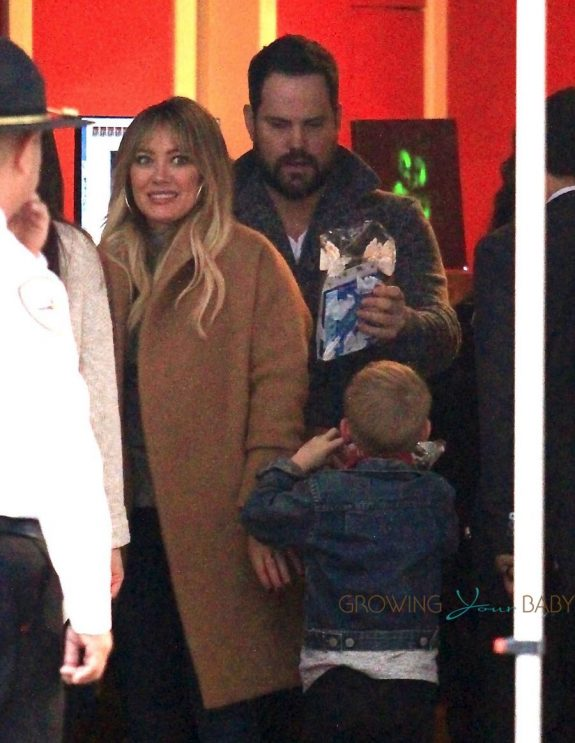 Hilary Duff & Mike Comrie Take Their Son To The Santa House