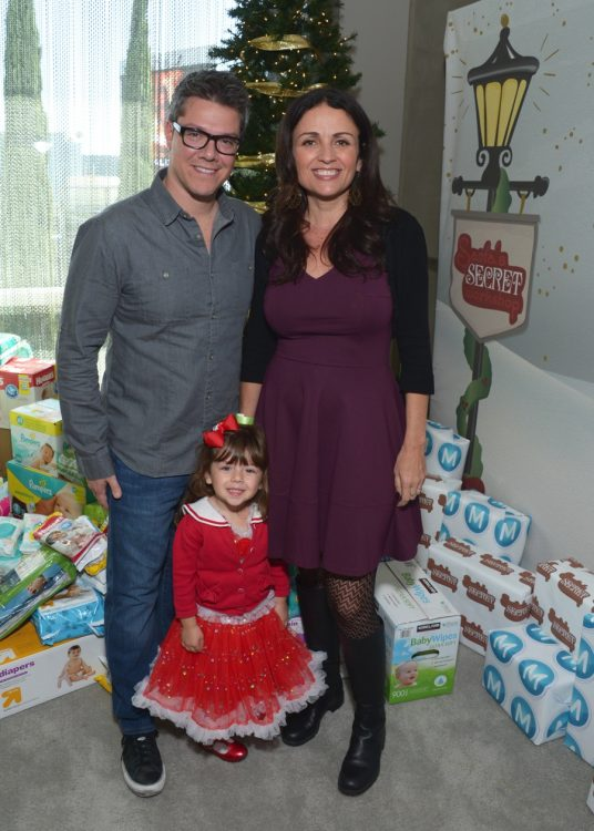 jenni-pulos-and-johnathon-nassos-with-daughter-alianna-at-the-6th-annual-santas-secret-workshop
