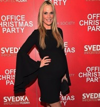 Molly Sims Arrives At 'Office Christmas Party' Premiere