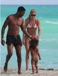 Doutzen Kroes, Sunnery James , Myllena Gorre at the beach in Miami