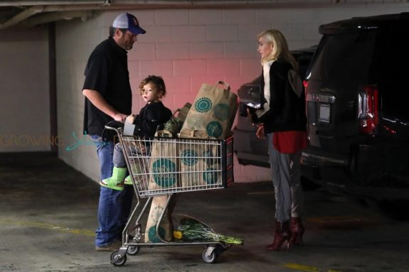 Gwen Stefani and Blake Shelton grocery shop with son Apollo Rossdale