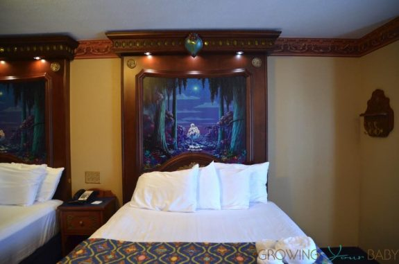 WDW Port Orleans Riverside Royal Room - bed