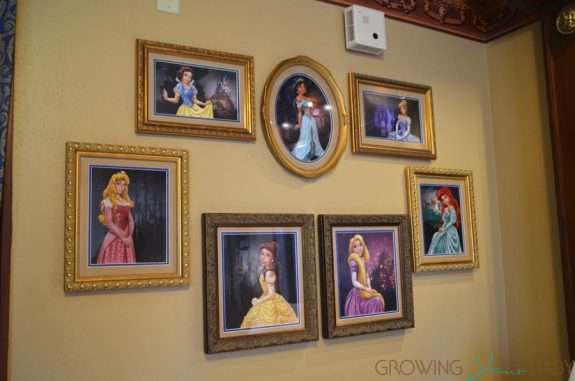 WDW Port Orleans Riverside Royal Room - princess wall