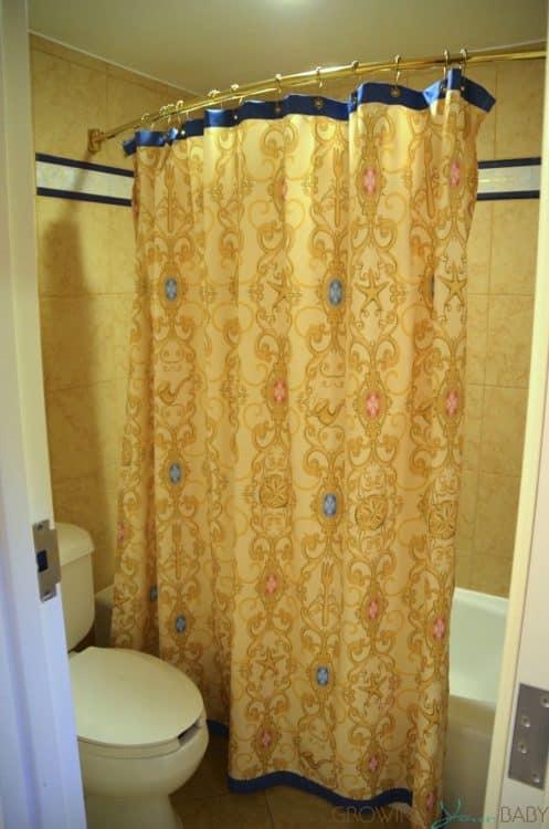 WDW Port Orleans Riverside Royal Room - shower
