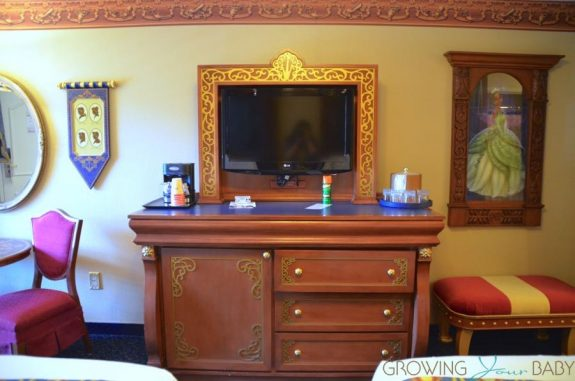 WDW Port Orleans Riverside Royal Room - tv hutch