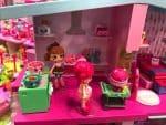Shopkins Happy Places Mansion - kitchen