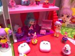 Shopkins Happy Places School - performance room