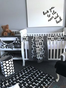 Sweet Kyla Black and white groovy giraffe, midnight collection