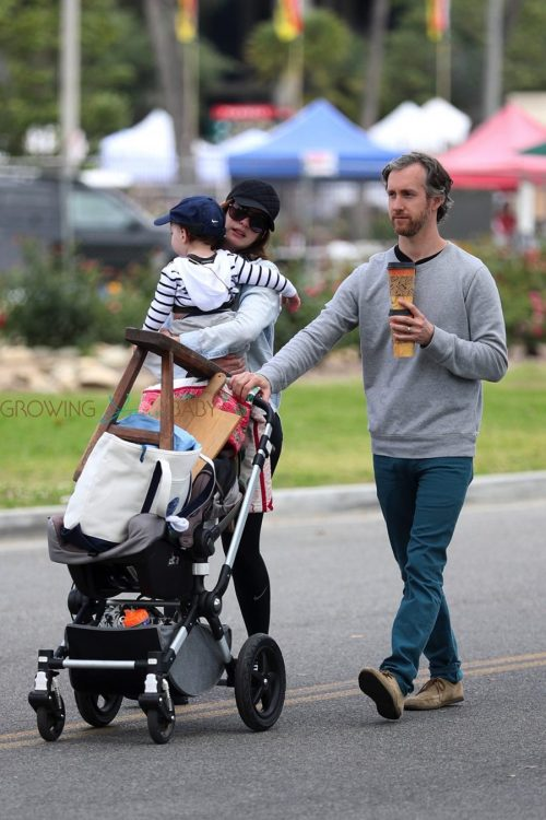 Anne Hathaway, Adam Shulman and their son Johnathon at the Rose Bowl Flea Market for Mother's Day