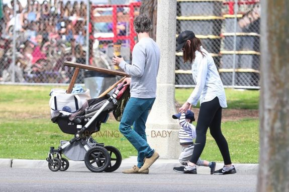 Anne Hathaway, Adam Shulman & their son Johnathon at the Rose Bowl Flea Market for Mother's Day