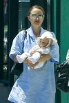 Natalie Portman steps out with daughter Amalia Millipied