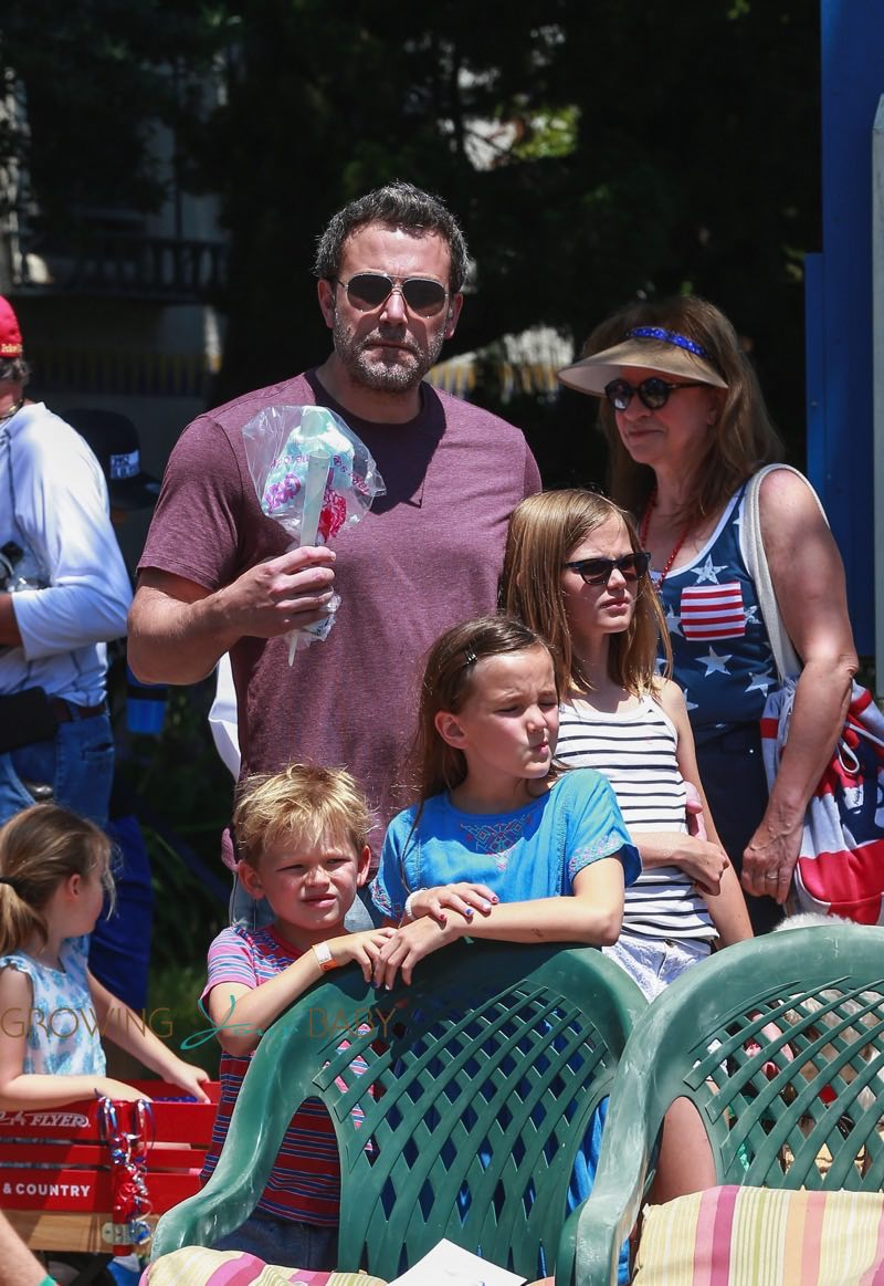 Ben Affleck and Jennifer Garner take their kids Violet, seraphina and Sam to 4th of July Parade