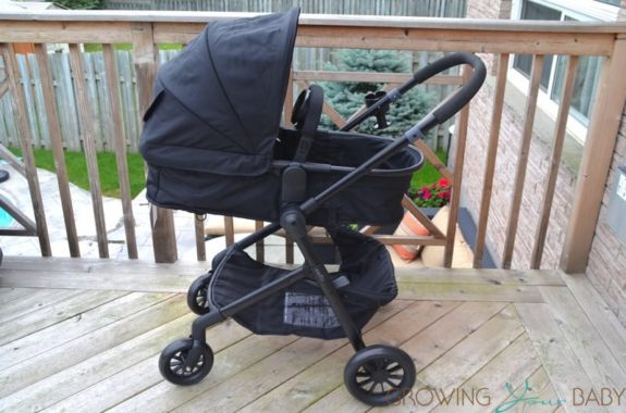 Evenflo Pivot Travel System - bassinet