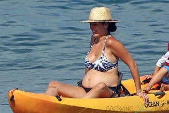 A pregnant Jamie-Lynn Sigler hits the beach in Maui with her family