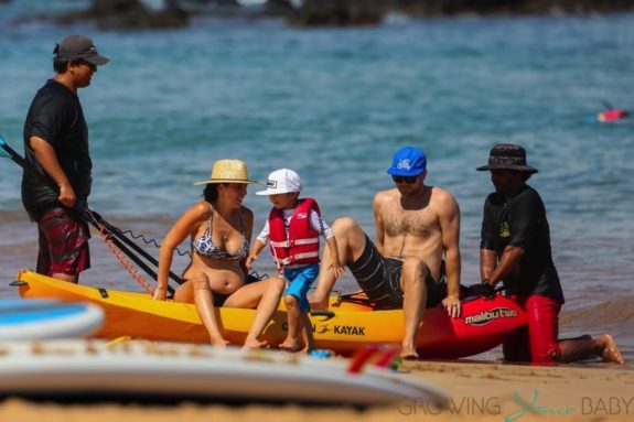 A pregnant Jamie-Lynn Sigler spends a day at the beach with her family in Maui