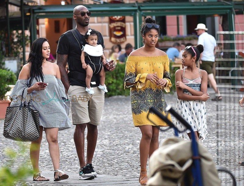 Former Nba Superstar Kobe Bryant And Wife Vanessa Enjoying