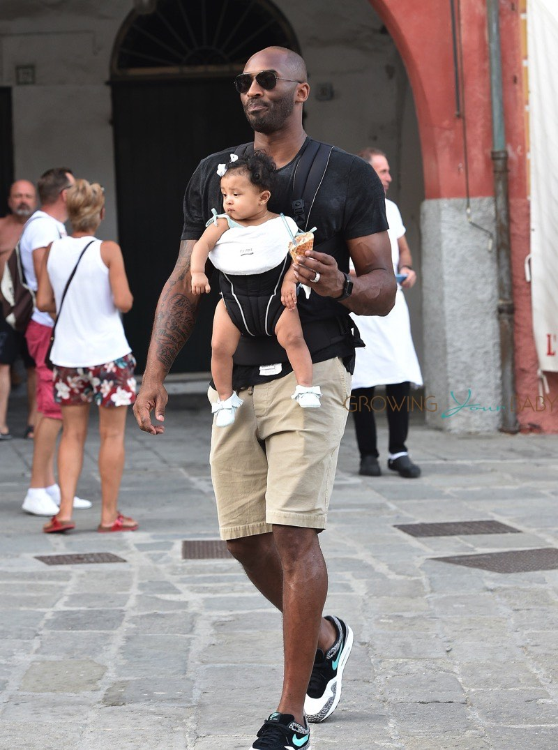 Former Nba Superstar Kobe Bryant On Vacation With Daughter