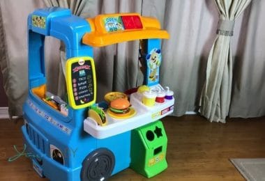 Fisher-Price Laugh & Learn Servin' Up Fun Food Truck f
