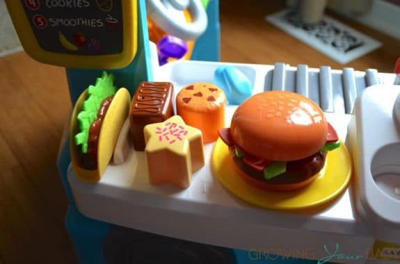 Fisher-Price Laugh & Learn Servin' Up Fun Food Truck - sweets, burger and taco